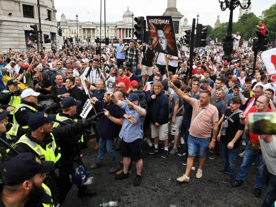 tommy-robinson-protest-7